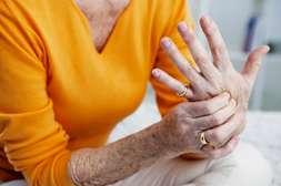 Препарат Артросет устраняет боль, отёчность с первых дней.